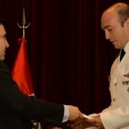 Entrega del premio «Mayor Eduardo Olivero» en el egreso del Curso de Comando y Estado Mayor